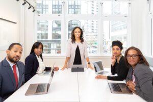 A padronização exige um ambiente agradável e a formalidade empresarial